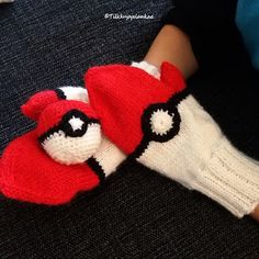 Tilkkuja ja lankaa: Pokémon Pokemon, Fingerless Gloves, Arm Warmers, Knit Crochet, Knitting, Fingerless Mitts, Fingerless Mittens, Tricot, Breien