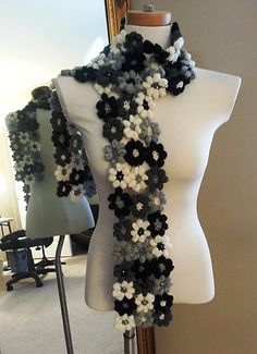 Ravelry: Project Gallery for Mollie Flowers pattern by Brigitte Read