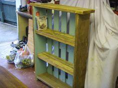 #Bookcase, #PalletBookshelf, #ReclaimedPallet