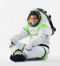 El nuevo traje de la NASA, el Z-1, está diseñado para la exploración planetaria y al parecer está inspirado en el mismísimo Buzz Lightyear.