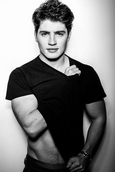 gregg sulkin why so hot like seriously