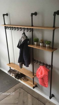Industrial coat rack Hip - This Industrial coat rack Hip is specially made to measure. The shelves are made of oak with a natural color. Normally the coat rack rests on the foot plates … Flur Design, Balkon Design, Hallway Ideas Entrance Narrow, Hallway Inspiration, Pipe Furniture, Room Decor Bedroom, Home Organization, Home Projects, Home Remodeling