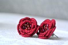Tatted earrings  tatted lace flower earrings  by Ilfilochiaro, €12.00