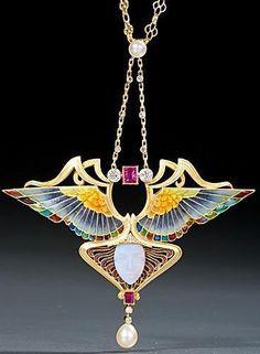 Colier-pandant Art Nouveau cu o reprezentare a zeiţei Nike, creaţie Philippe… Bijoux Art Nouveau, Art Nouveau Jewelry, Jewelry Art, Jewelry Design, Enamel Jewelry, Antique Jewelry, Vintage Jewelry, Belle Epoque, Art Nouveau Design