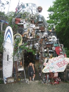 Cathedral of Junk in Austin! (honorary Brooklyn) http://brooklyn-spaces.com/2012/04/cathedral-of-junk-austin/