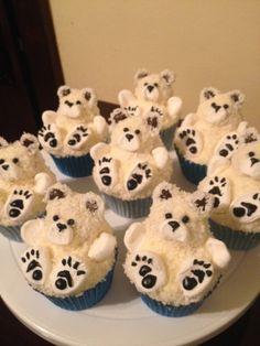 Polar Bear Cupcakes - CakeCentral.com Winter Cupcakes, Christmas Cupcakes Decoration, Christmas Desserts, Christmas Treats, Christmas Baking, Cupcake Recipes, Cupcake Cakes, Kid Cupcakes, Cupcake Shops