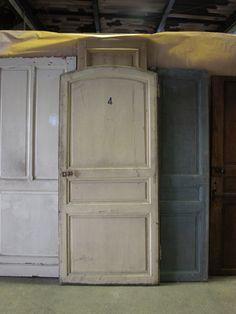 フランスアンティーク建具&家具のLeyenda【レエンダオンライン(通販)】。フランスを中心にアンティーク&ヴィンテージドア・窓などの建具や家具から雑貨まで、富山県富山市水橋のショップから全国へ販売しています