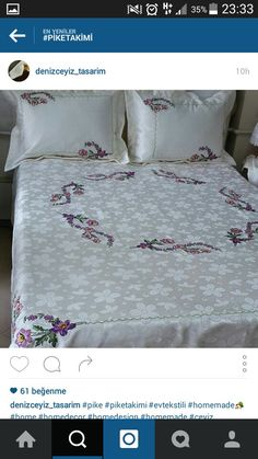 This Pin was discovered by fil Cross Stitch Rose, Cross Stitch Embroidery, Hand Embroidery, Embroidery Designs, Bed Sheet Curtains, Bed Sheets, Linen Bedding, Bedding Sets, Stitch Crochet