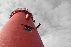 Poolbeg Lighthouse, by Daniel Dudek-Corrigan. CC BY 2.0