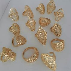 Gold Jewelry Design In India Gold Jewelry Simple, Gold Wedding Jewelry, Gold Rings Jewelry, Bridal Jewelry, Jewelery, Gold Necklaces, Gold Ring Designs, Gold Earrings Designs, Gold Jewellery Design