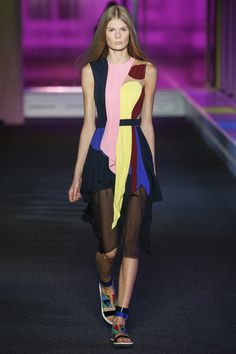 London Fashion Week Peter Pilotto Spring 2015 Ready-to-Wear All Fashion, Runway Fashion, Spring Fashion, Fashion Show, Fashion Design, London Fashion Weeks, Catwalk Collection, Peter Pilotto, Looks Style