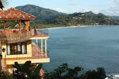 Great place to stay in Costa Rica. Hosts are awesome people, and the view cannot be beat.