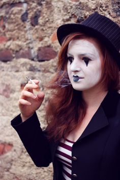 Mime with a cigater