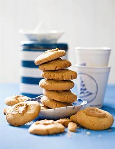 You will find professional images of at StockFood, the agency for food photography – unique photos, videos, features, and recipes. No Bake Cookies, Peanut Butter Cookies, South African Recipes, Biscuit Recipe, Dessert Recipes, Desserts, Macaroons, Sweet Treats, Cooking Recipes