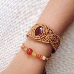 Плетеный браслет в два ряда с сердоликом, сделан на заказ…