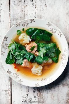 Zupa miso z łososiem