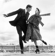 black and white / couple / roller skates / suzy parker / 1956 / by avedon