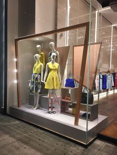 "KAREN MILLEN, 5th Ave., New York, ""The Business of Fashion"", creative by Elemental Design, pinned by Ton van der Veer"
