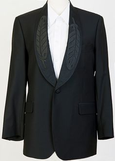 FEATHER LAPEL TUXEDO JACKET. This will be my next Tux.