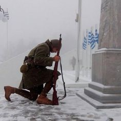 heroes fight like greeks. long live the greek nation! Greek History, European History, Churchill, Greek Independence, Greek Soldier, Myconos, Greek Warrior, Unknown Soldier, Greek Culture