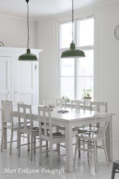 an angel at my table: Nya gröna lampor över matbordet