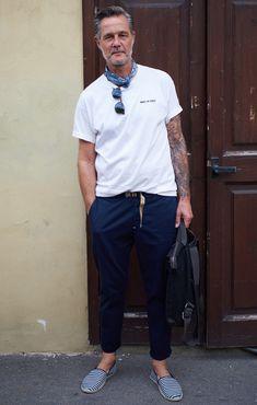 100 Killer Street Style Looks Mature Mens Fashion, Old Man Fashion, Denim Fashion, Fashion Outfits, Street Style Looks, Looks Style, Casual Looks, Stylish Men, Men Casual