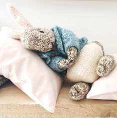 A knitting PATTERN to make this special little knitted Peter Rabbit ◊ The . Ravelry: Boy bunny with a piebald patch pattern by Julie Williams KNITTING PATTERN Peter Rabbit Knitting Kits, Knitting Needles, Free Knitting, Knitting Projects, Baby Knitting, Knitting Patterns, Sewing Projects, Crochet Patterns, Sewing Tips