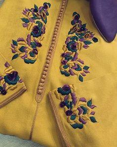 Embroidery Suits Punjabi, Hand Embroidery Dress, Embroidery Suits Design, Embroidery Fashion, Stylish Dress Designs, Dress Neck Designs, Pakistani Formal Dresses, Pakistani Dress Design, Caftan Instagram