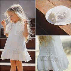 Χειροποίητο βαπτιστικό φόρεμα 100 % βαμβακερό! δειτε το εδώ: http://angelscouture.gr/index.php?route=product/category&path=172_176#/sort=p.price/order=ASC/limit=100