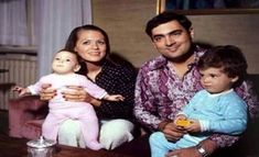 Rajiv Gandhi And Sonia Gandhi's Unheard Love Story Will Reinstate Your Faith In True Love Bollywood Cinema, Bollywood Photos, Rare Pictures, Historical Pictures, Rare Photos, History Of India, History Photos, Old Film Stars, Rajiv Gandhi