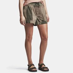 James Perse Camo Cargo Short is made in a lightweight cotton twill featuring a camouflage print. Style details include an elasticated waistband with drawcord, functional fly with button closure, slash patch pockets and folded hems. Montreal Qc, James Perse, My Size, 2 In, Camouflage, Cotton Fabric, Casual Shorts, Cargo Short, Style