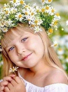 Girls Dresses, Flower Girl Dresses, Beautiful Children, Daisy Daisy, Crown, Wedding Dresses, Flowers, Angel, Sweet