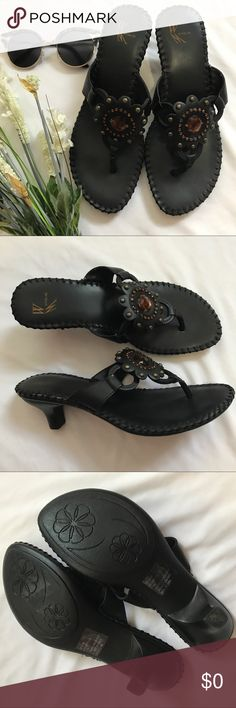 Selling this WHITE MOUNTAIN Sandals on Poshmark! My username is: sweetride. #shopmycloset #poshmark #fashion #shopping #style #forsale #White Mountain #Shoes