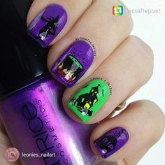 Hunt for the HALLOQUEENS 2015 is on!! Check out the halloween nails by Leonie @leonies_nailart. If you think its horribly spooky leave a thumbs up to vote for Leonie. To participate mention Scra2ch. #halloweennails #halloweenparty #halloween #scra2chbuzz #scarynails #nailartcentral