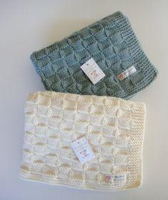Ähnliche Artikel wie Baby-Decke hand stricken, von hand gestrickte Decke, Babydecke, Wolle-Baby-Decke, Hand gestrickte kinderwagendecke, Wolle, Ideal auch als Geschenk auf Etsy