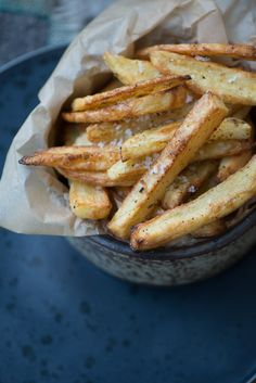 Sprøde hjemmelavede pommes frites i ovn Wine Recipes, Vegan Recipes, Cooking Recipes, Sandwiches, Danish Food, I Love Food, Frittata, Soul Food, Food Inspiration