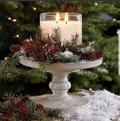 If the climate allows, consider an idea of rocking woodland winter wedding – that's a dream! A forest covered with beautiful sparkling snow. Dollar Store Christmas, Christmas Door, Country Christmas, Christmas Holidays, Christmas Wreaths, Christmas Crafts, Christmas Dining Table, Christmas Candle Decorations, Christmas Arrangements