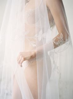 8 Bridal Boudoir Shoot Tips And 31 Ideas: #2. nude lingerie seems to be invisible
