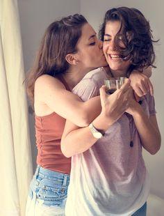 Lesbian Love, Lgbt Love, Lesbian Pride, Cute Lesbian Couples, Cute Couples Photos, Cute Couples Goals, Couple Goals, Gay Aesthetic, Couple Aesthetic