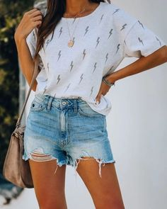 Jeans Outfit Summer, Summer Outfits For Teens, Casual Summer Outfits, Trendy Outfits, Emo Outfits, School Outfits, Spring Break Clothes, Winter Outfits, Batman Outfits