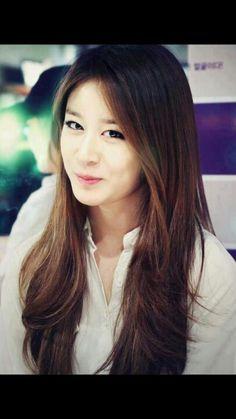 Park Ji Yeon(*^_^*)