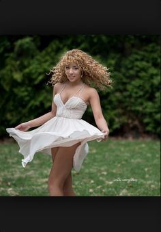 Love the dress! Fashion Now, Fashion Beauty, Jadah Doll, Curly Hair Styles, Natural Hair Styles, Natural Curls, Going Blonde, Beautiful Disaster, Sexy Skirt