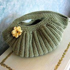 Crochet patterns: Easy Crochet Tutorial for Ripple Handbag _ Free Pa...