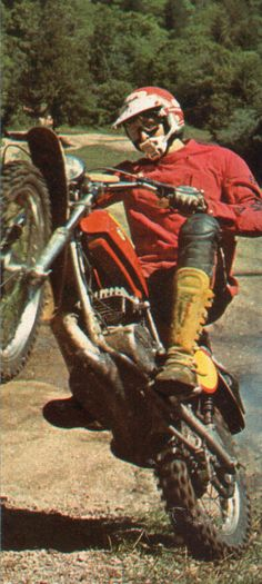 Bultaco Frontera 360 ( Agosto 1975) Retro Motorcycle, Vintage Motocross, Motorcycle Bike, Enduro Motocross, Motocross Racing, Bultaco Motorcycles, Motorbikes, Vintage Bikes, Vintage Motorcycles