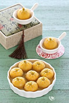 The Dōngzhì Festival, or Winter SolsticeFestival, is one of the most important Chinese festivals and this year it falls on the21st of December, that is today. Traditionally, tang yuan sweet soup(glutinous rice balls with sweet filling) is part of the c