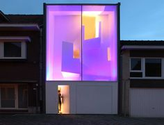 Squeezed Contemporary House With Glass Facade in Belgium