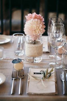 table decoration wedding diy vases dahlias Source by Table Decoration Wedding, Wedding Table Settings, Table Decorations, Setting Table, Place Setting, Wedding Jars, Our Wedding, Dream Wedding, Wedding Dinner