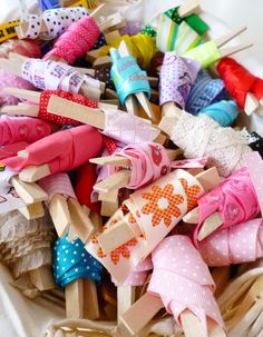 ribbon storage using clothes pegs. (Photo uploaded by original pinner).