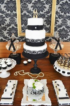 Uma festa que une o vintage ao contemporâneo, composta de muito black&white e com toques de dourado. Decoração de bom gosto, leve e madura, perfeita para um aniversário adulto! Great Gatsby Party, Fancy Party, Baby Shower, Shower Party, 40th Birthday, Birthday Parties, Black Gold Party, 30th Party, Paris Party