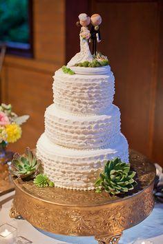 scalloped ruffles wedding cake